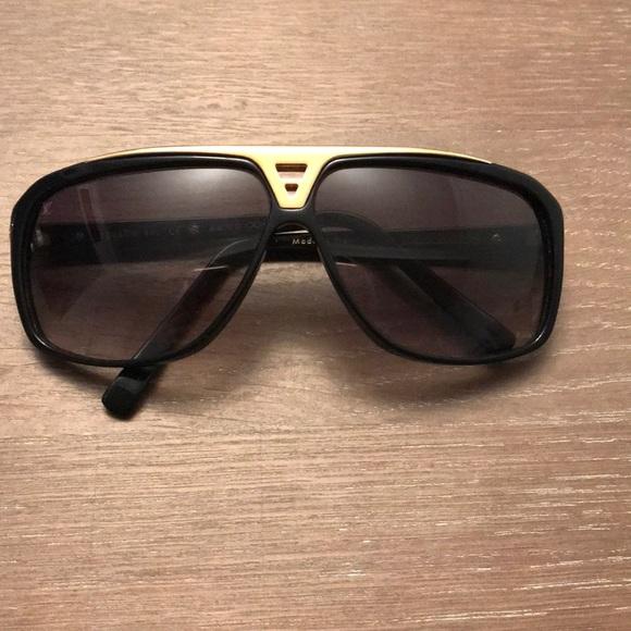 7d74a0621aaf2 Authentic Men s Louis Vuitton Evidence Sunglasses